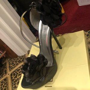Black floral heels size 10
